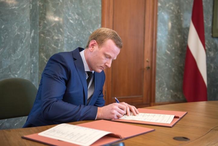 LNPVA paraksta memorandu par nevalstisko organizāciju un Ministru kabineta savstarpējo sadarbību